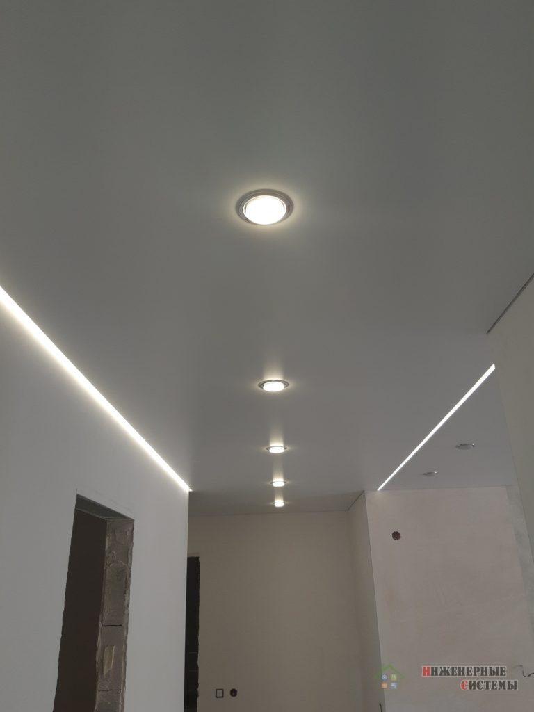 Потолок и освещение